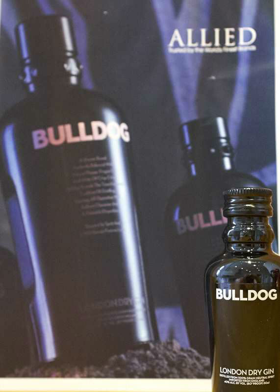 allied-glass-gin-tweet-tasting-bulldog
